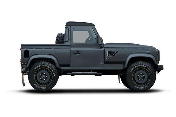 Kahn Design vertimmert Land Rover Defender