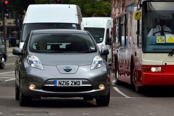 Officieel: Britten doen brandstofmotor in de ban