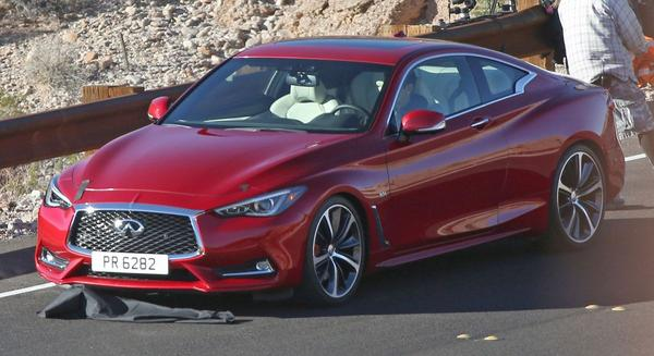 Infiniti Q60 coupé gooit camouflage overboord