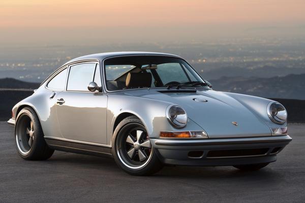 Singer presenteert Porsche 911 'Virginia'