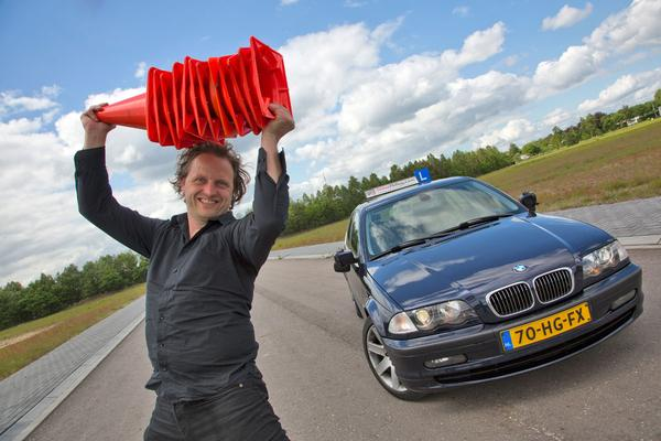 Video: Klokje rond - BMW 330d - 997.311 km