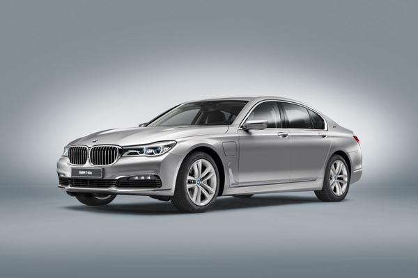 BMW brengt iPerformance-label naar plug-ins