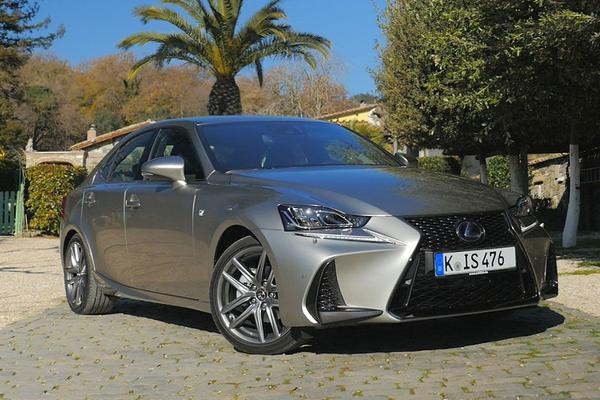 Video: Lexus IS300h - Rij-impressie