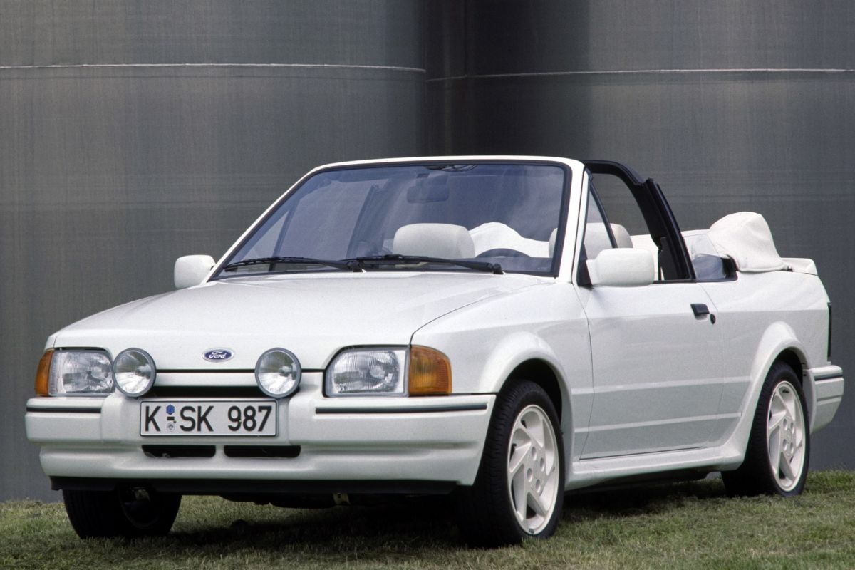 ford escort cabrio 1 6 xr3i specificaties. Black Bedroom Furniture Sets. Home Design Ideas