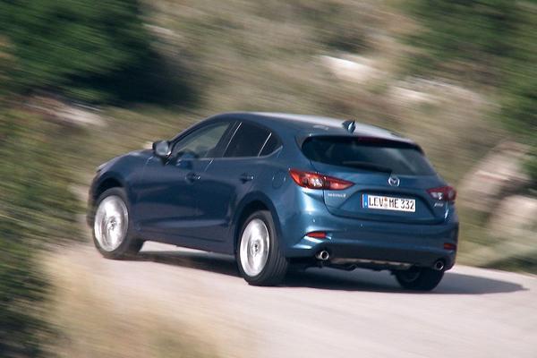 Video: Mazda 3 facelift - Rij-impressie