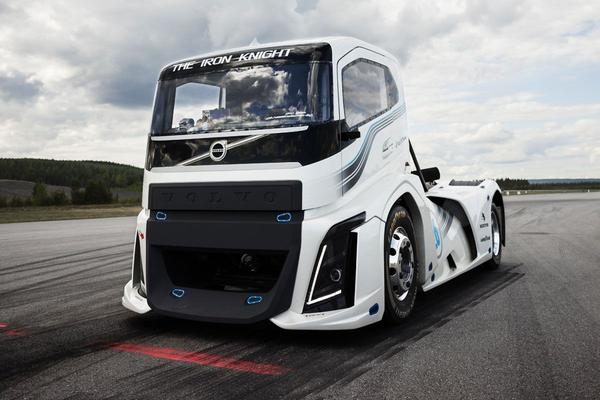 Video: Volvo's The Iron Knight breekt record