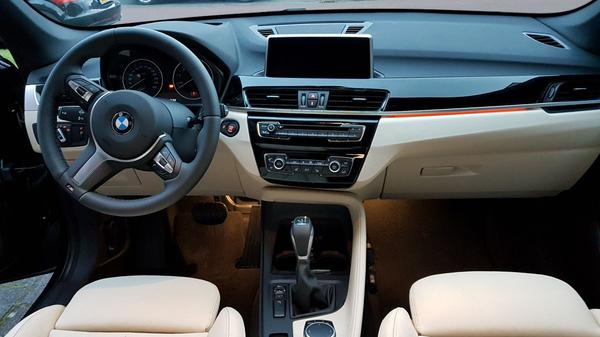 bmw x1 sdrive18i 2017 gebruikerservaring autoreviews. Black Bedroom Furniture Sets. Home Design Ideas