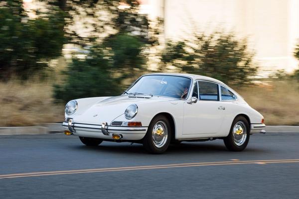 Video: De 7 ... weetjes over het logo van Porsche