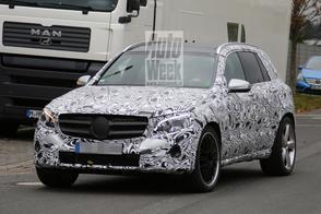 Gespierde Mercedes GLC gespot