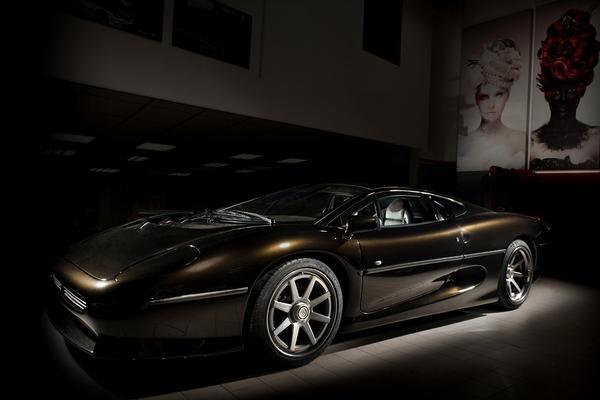 Vilner frist interieur Jaguar XJ220 op