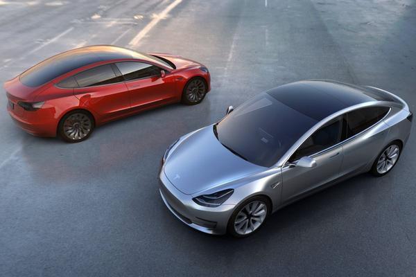 Alle Tesla's vanaf nu volledig autonome hardware