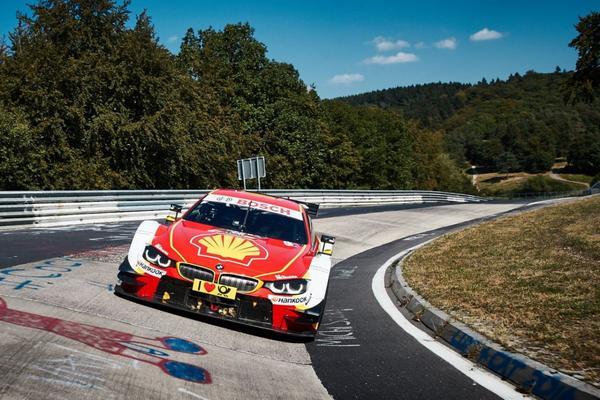BMW M4 DTM met Farfus over de Ring