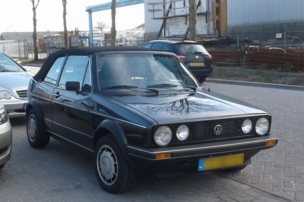 In het wild: Volkswagen Golf Cabriolet (1987)