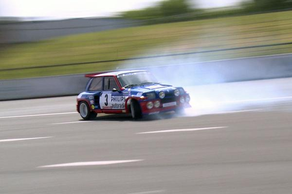 Video: Historisch gebrul, Ragnotti los in 5 Turbo- AW Update