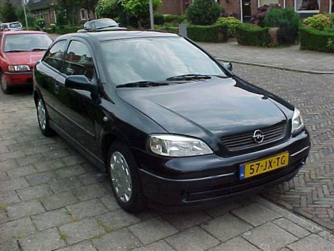 opel astra edition 2002 gebruikerservaring autoreviews. Black Bedroom Furniture Sets. Home Design Ideas