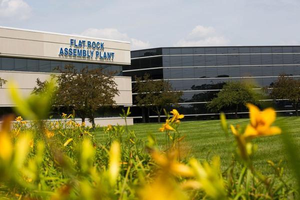Ford legt tijdelijk 5 fabrieken stil