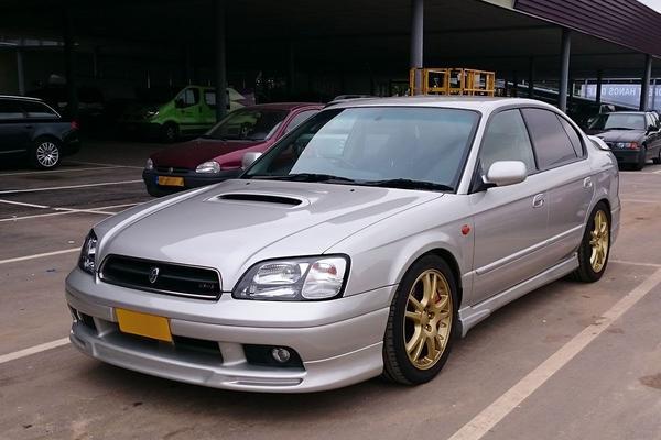 In het wild: Subaru Legacy B4 (1999)