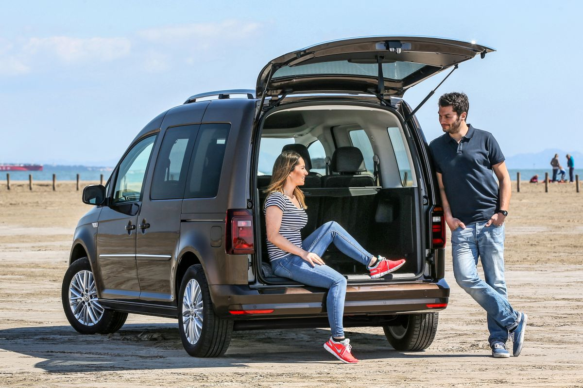 volkswagen caddy combi rijimpressies. Black Bedroom Furniture Sets. Home Design Ideas