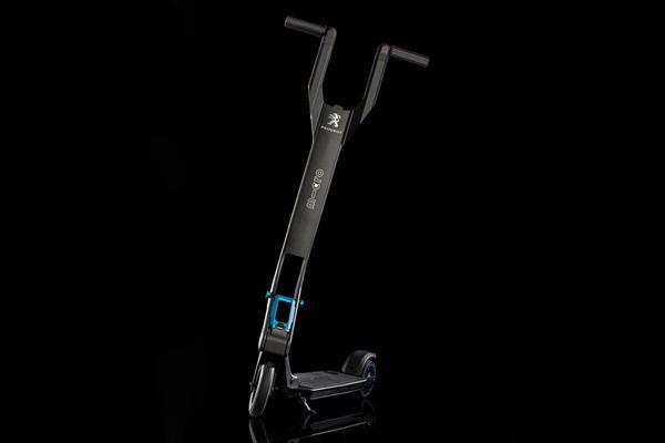 Peugeot monteert elektrische tweewieler in 3008