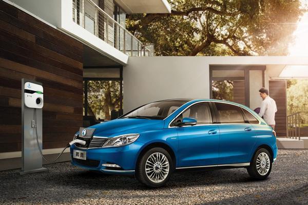 Daimler Denza opgewaardeerd naar '400'