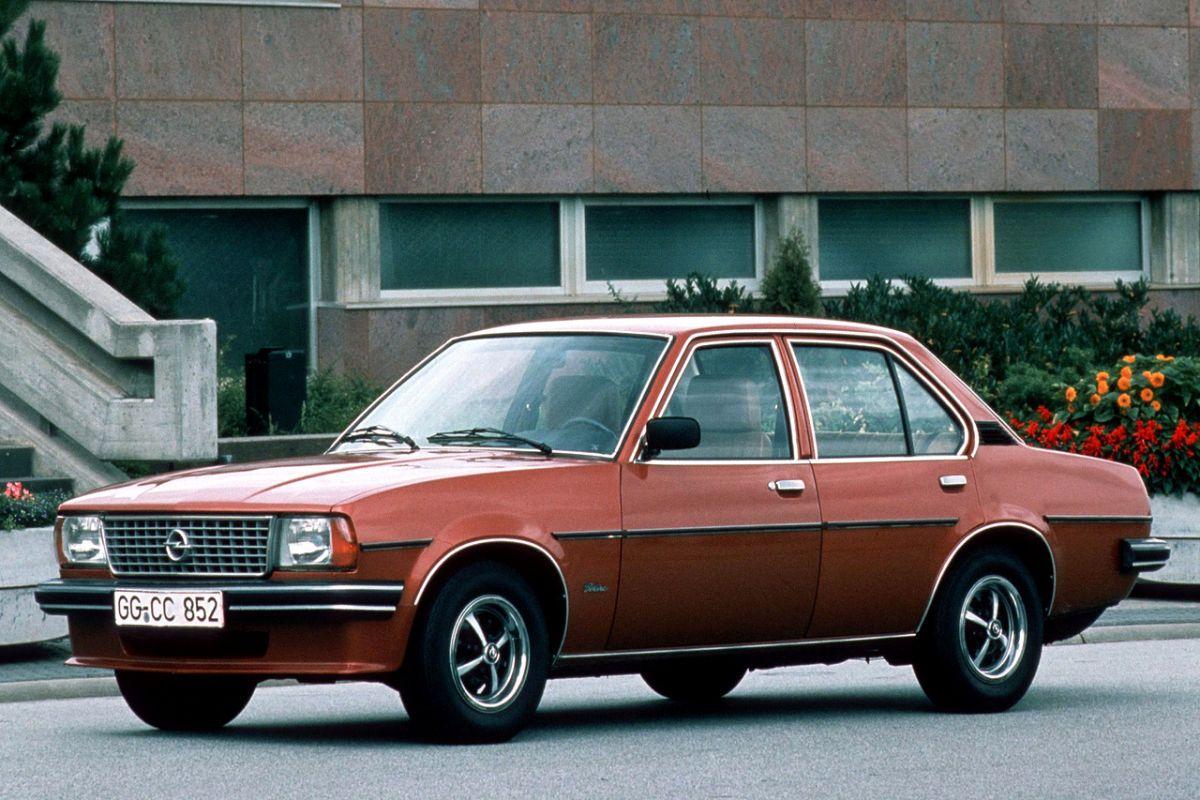 Opel Ascona 2 0 E Sr De Luxe Specificaties Autoweek Nl
