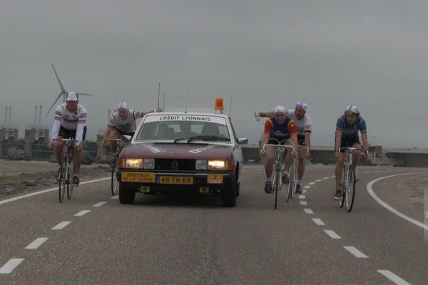 Video: Peugeot 604 TI Directeur Tour de France