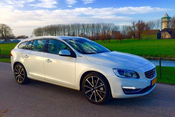 volvo v60 d5 awd twin engine special edition 2015. Black Bedroom Furniture Sets. Home Design Ideas