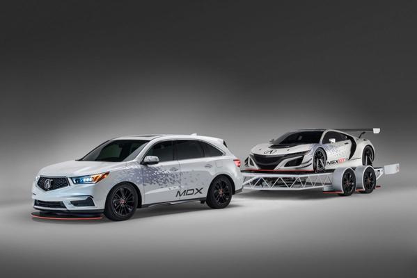 Acura MDX-met-trailer voor SEMA