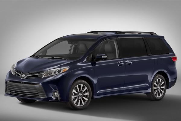 Toyota presenteert gefacelifte Sienna