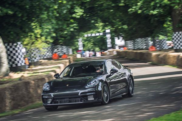Nieuwe Porsche Panamera klaar voor debuut