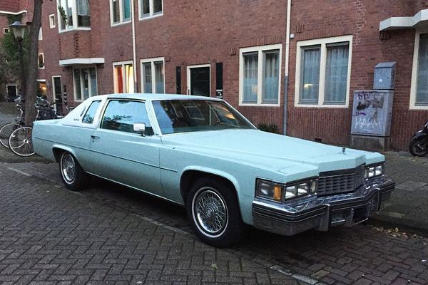 In het wild: Cadillac Coupe de Ville (1977)