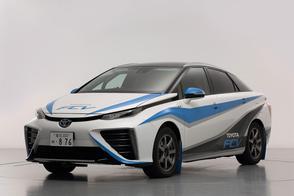 Brandschone Toyota FCV maakt rallydebuut