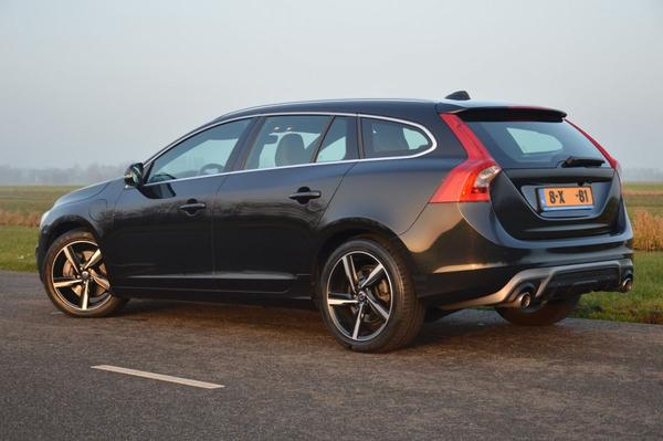 volvo v60 d6 awd plugin hybrid r design 2014 gebruikerservaring autoreviews. Black Bedroom Furniture Sets. Home Design Ideas