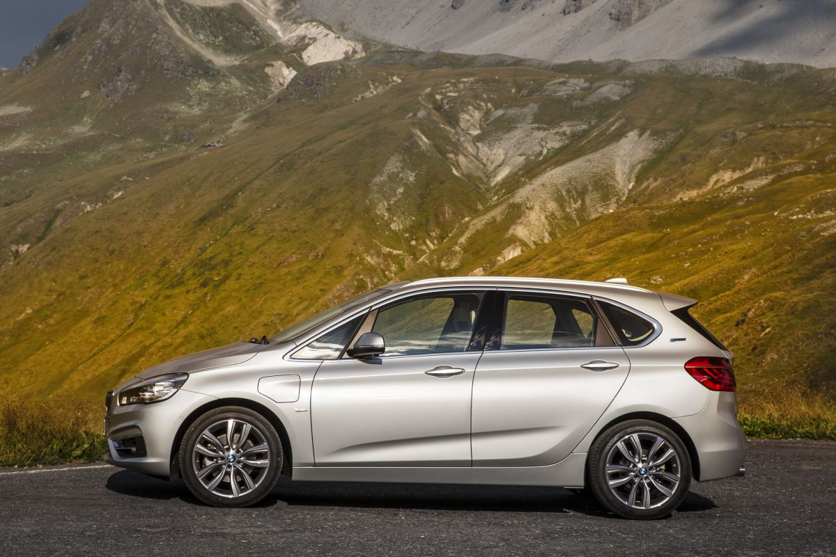 225xe active tourer is bmw 39 s eerste plug in mpv autonieuws. Black Bedroom Furniture Sets. Home Design Ideas