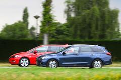 Opel Astra Sports Tourer - Hyundai i30 Wagon