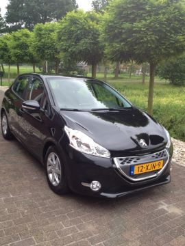 peugeot 208 blue lease 1 4 e hdi 2012 gebruikerservaring autoreviews. Black Bedroom Furniture Sets. Home Design Ideas