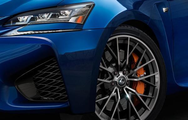Lexus GS F laat zich zien - met facelift