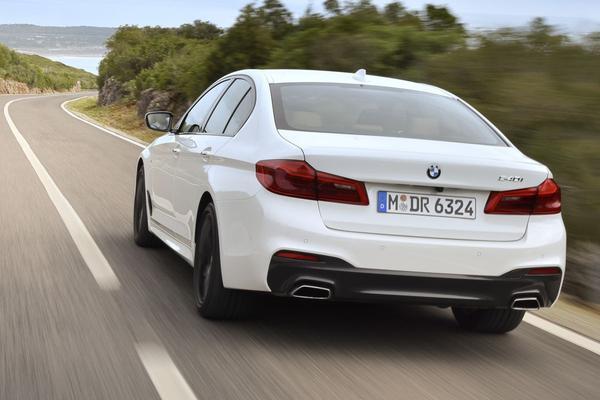 BMW test met 40 autonome auto's