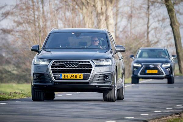 Video: Dubbeltest - Audi Q7 3.0 TDI vs Lexus RX450h