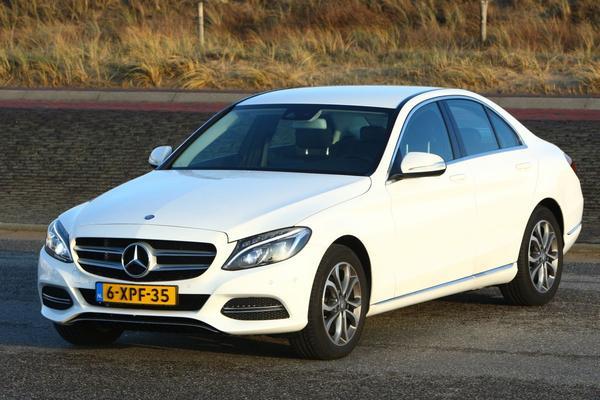Daimler investeert in dieselmotoren
