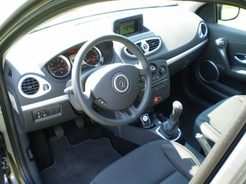 renault clio 1 2 16v 75 collection 2010 gebruikerservaring autoreviews. Black Bedroom Furniture Sets. Home Design Ideas
