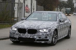 BMW 7-serie laat flink wat camouflage vallen