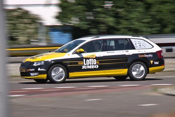 Video: Achteruitkijkspiegel - Skoda Octavia ploegleidersauto