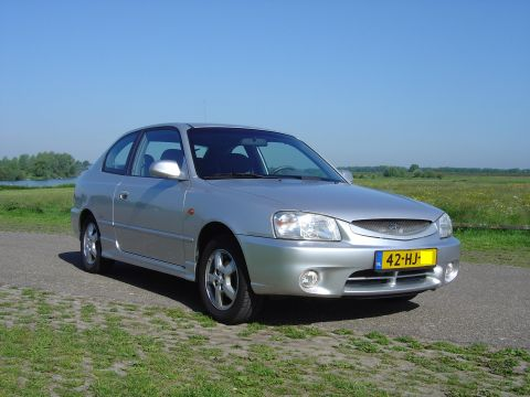 Hyundai Accent 1.5i GS 2001