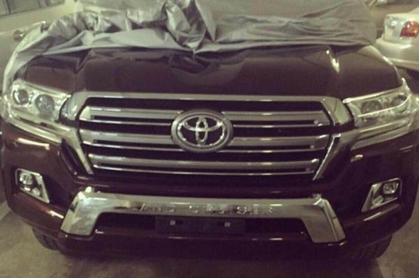 Gefacelifte Toyota Land Cruiser duikt weer op