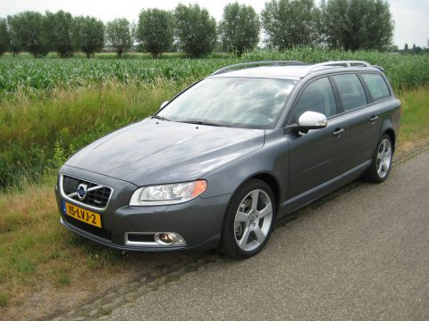 volvo v70 d5 r design 2010 gebruikerservaring autoreviews. Black Bedroom Furniture Sets. Home Design Ideas