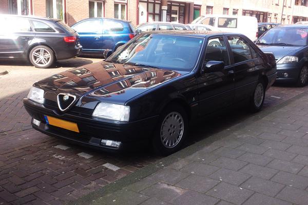 In het wild: Alfa Romeo 164 3.0 V6