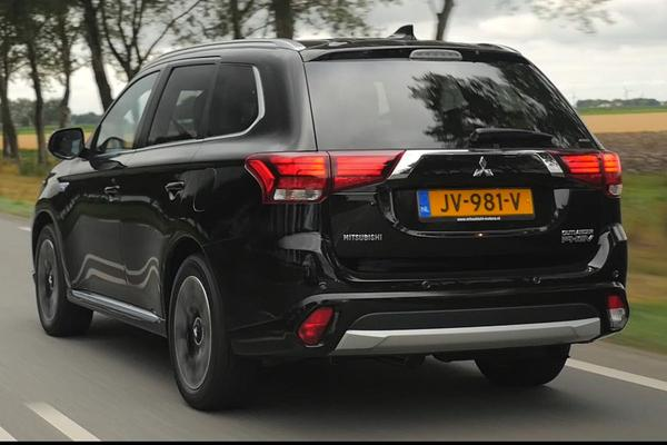 Video: Mitsubishi Outlander - Test 'm zelf