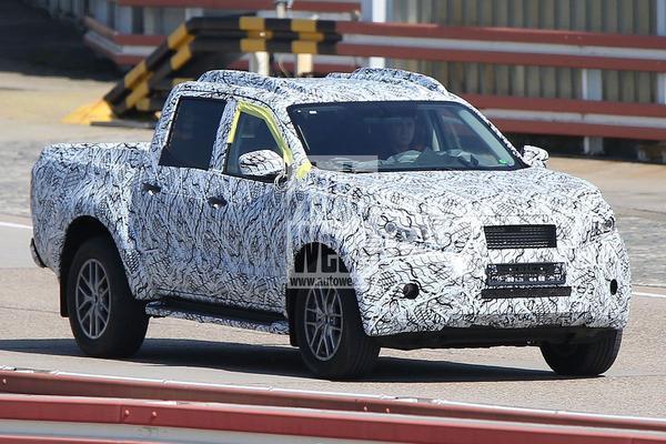 Voor het eerst in beeld: Mercedes' pick-up!
