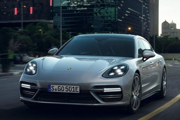 Dít is de Porsche Panamera Turbo S E-Hybrid